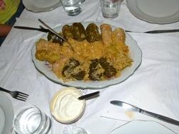 Ein Teller mit Rouladen