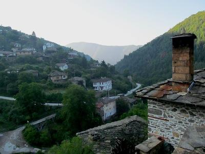 Blick über das Dorf Kosovo in Bulgarien