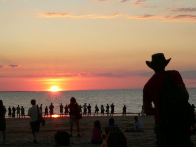 Stimmungsvoller Sonnenuntergang mit Multi-Kulti-Flair: Der Mindil Beach Sunset Market