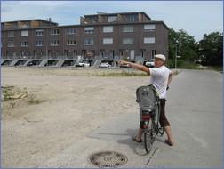 Wo früher der sog. Todesstreifen die Grenze zwischen Ost- und West-Berlin sicherte, sprießen heute schicke Stadtvillen aus dem Boden. Der Panke-Grünstreifen durch die Stadt wird zum schicken Wohnort.