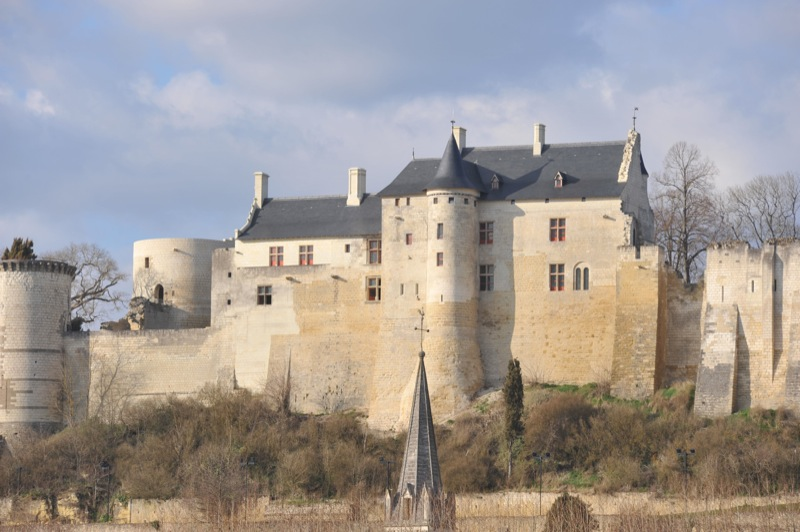 Ein historischer Ort in neuem Glanz - Die Feste Chinon, Ort der Begegnung vom Johanna von Orleans und ihrem König Karl VII