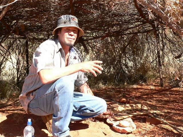 Lebendiges Wissen - Guide Craig kennt die Geschichten, Traditionen und Rituale. Nicht nur seine Kinder, auch Besucher teilen gerne diesen Schatz.